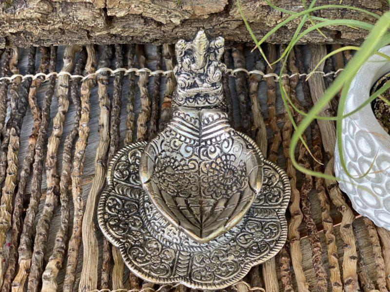 Porte Encens Fontaine Mains de Ganesh Image